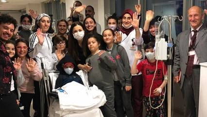 Şarkıcı Buray'dan kanserli çocuklara moral!