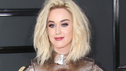 Dünyaca ünlü şarkıcı Katy Perry ayakkabıcı oldu!