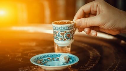 Türk kahvesinin yanında ne iyi gider?