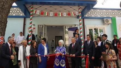 Emine Erdoğan Engelli ve Rehabilitasyon Merkezi'nin açılışını yaptı