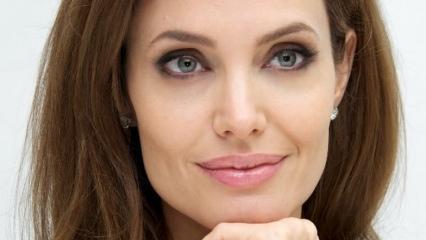 Angelina Jolie cenaze müdürü olmak istediğini açıkladı!