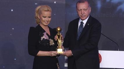 Başkan Erdoğan'dan Müge Anlı'ya 'En İyi Reality Haber Programı' ödülü