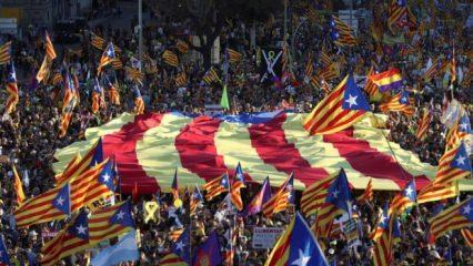Katalonlar yine sokaklarda... 'Henüz vazgeçmedik' mesajı