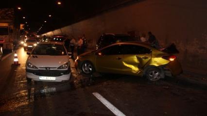 TEM'de zincirleme kaza: İstanbul'a girişte yoğunluk