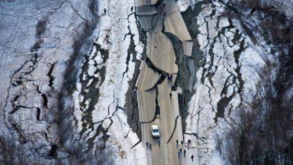 İstanbul depreminin ardından bir şiddetli deprem de Yunanistan'da