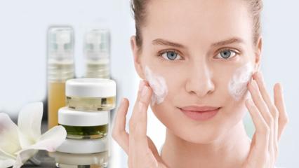 Yüz temizleme jeli nedir? Cilde uygun yüz temizleme jeli nasıl seçilir?