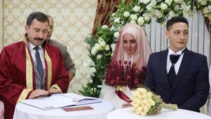 Düğünlerinde takı istemeyen çiftin isteğini duyanlar şok oldu! Yanınızda...