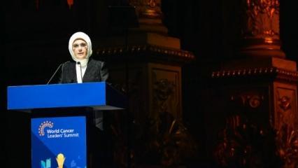 Emine Erdoğan, 'Dünya Kanser Liderleri Zirvesi' ödül törenine katıldı