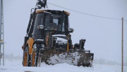 Elazığ'da 105 köy yolu, kardan kapandı
