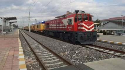 TCDD'nin yardım treni yola çıkarıldı