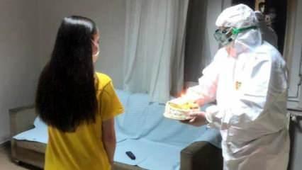 Bakan Koca Vuhan'dan getirilen öğrencinin doğum gününü kutladı