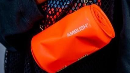 Japonya markası Ambush'dan kola tenekelerinden çanta