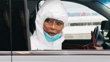 Naomi Campbell'den korona virüsüne karşı ilginç tedbir!