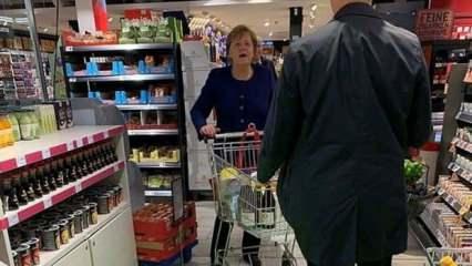 Angela Merkel korona günlerinde alışverişte