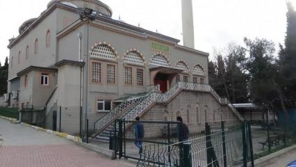 Cemaatle namaza ara verildi, vatandaşlar namazlarını evde kıldı