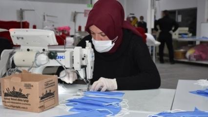 700 bin maske bağışladı