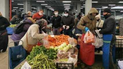Kadıköy'de maskesiz vatandaşlar pazara alınmadı