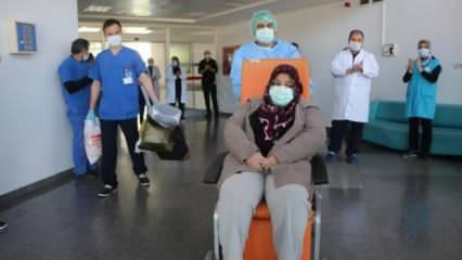 Koronavirüs tedavisi bitti, alkışlarla uğurlandı