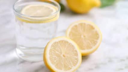 Aç karnına limon suyu içmenin faydaları nelerdir? Yatmadan önce limon su içmek zayıflatır mı?