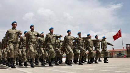 Askerlik süresi uzatılıyor mu?  MSB Bakanı Hulusi Akardan celp ve terhis açıklaması