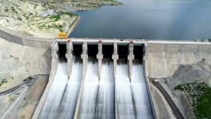 Avrupa'nın en büyük barajında enerji üretimine başlandı