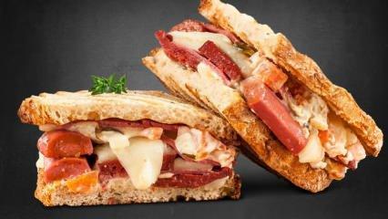 En kolay ayvalık tostu nasıl yapılır? Enfes ayvalık tostu tarifi