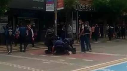Polis maske takmayan kişiyi uyardı, hakaret edip kaçmaya çalışınca gözaltına aldı