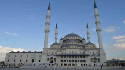 Hangi camilerde cuma namazı kılınacak? Ankara ve İzmir  Cuma namazı kılınacak camilerin listesi