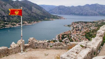 6. yüzyıl mirası olan Kotor Kalesi