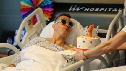 Muslera'ya hastanede doğum günü kutlaması