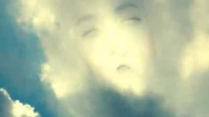 Gökyüzünde çocuk silüeti: Zonguldak'ta çekildi