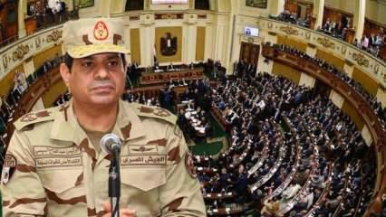 Mısır Parlamentosu Libya'ya olası bir müdahaleyi onayladı