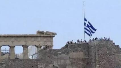Yunanistan'dan hadsiz gösteri! Selanik'te Türk bayrağı yaktılar