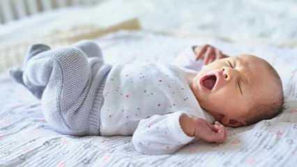 Bebeklerde uyku düzeni nasıl sağlanır? Yenidoğan bebeklerin sağlıklı uyku süreleri