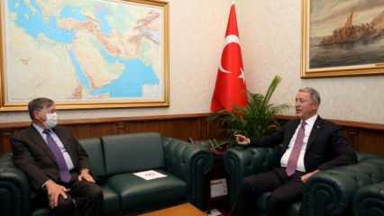 Bakan Akar, ABD Ankara Büyükelçisini kabul etti