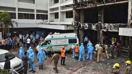 Hindistan'da koronavirüs hastalarının tedavi gördüğü otelde yangın