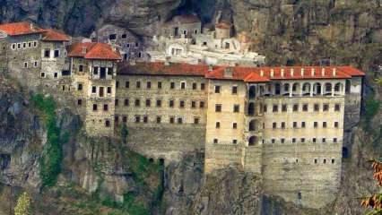 Trabzon Sümela Manastırı'na yoğun ilgi!