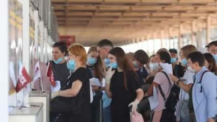Yola çıktılar! 70 uçakla 23 bin kişi Türkiye'ye geliyor
