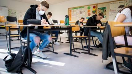 Almanya'da okullarda maske tartışması: Derste takma zorunluluğu