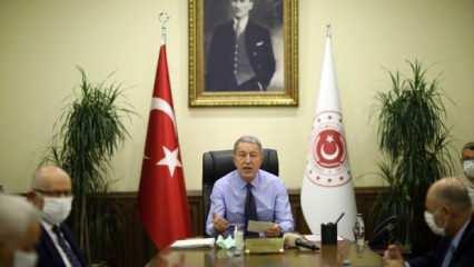 Bakan Akar'dan komutanlarla Doğu Akdeniz toplantısı!