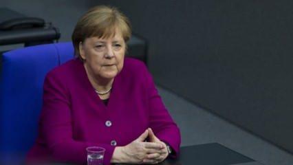 Merkel: Navalnıy'ın zehirlenmesinden sorumlu olanlar yargılansın