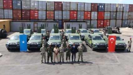 Türkiye'den Somali'ye 12 zırhlı askeri araç desteği