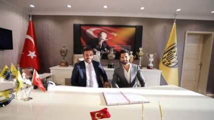 Alper Potuk imzayı attı: İki yıllık sözleşme