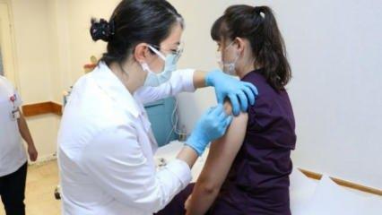 Koronavirüs aşısında ilk gönüllü uygulaması yapıldı