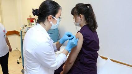 Türkiye'ye getirilen koronavirüs aşısı için başvuru patlaması
