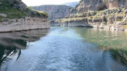"""Karasu Nehri'nden ekonomiye """"enerji"""" akıyor"""