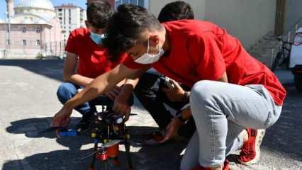 Lise öğrencilerinin geliştirdiği İHA, Teknofest'te dikkat çekti!