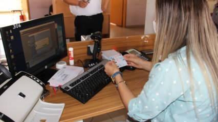 Yeni dönem başladı: Ehliyet bilgileri kimlik kartlarına yükleniyor