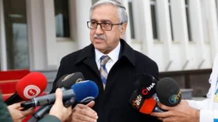 Mustafa Akıncı yalvararak Rumlara verdi! Böylesi ihanet görülmedi
