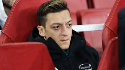 Arsenal'de Mesut Özil'e ikinci şok!